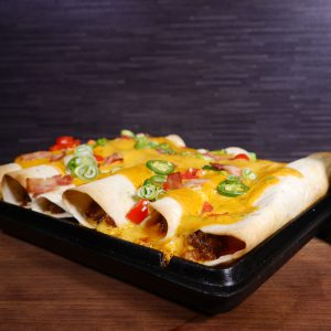 Bacon & Bourbon Cheeseburger Enchiladas in Gußform